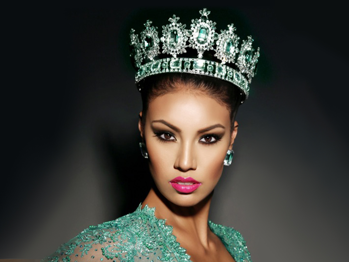 Picture of female model with crown